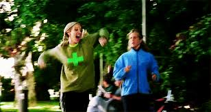 Phoebe and Rachel running